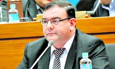 Rechazan incidente del diputado Tomás Rivas