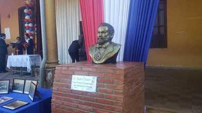 Inauguran busto de Manuel Franco en Concepción