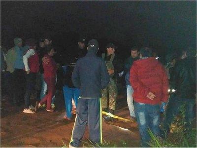 Matan a tres personas y apuntan a Justicieros de la Frontera