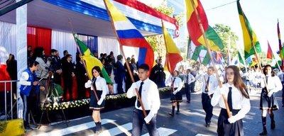 Desfile estudiantil en Lambaré