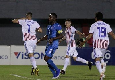 Paraguay iguala con Honduras y van 15 amistosos sin poder ganar