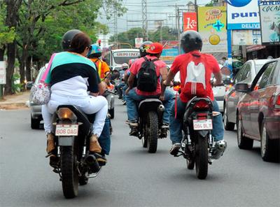 Impulsan plan para que municipalidades exijan a los motociclistas cursos de conducción
