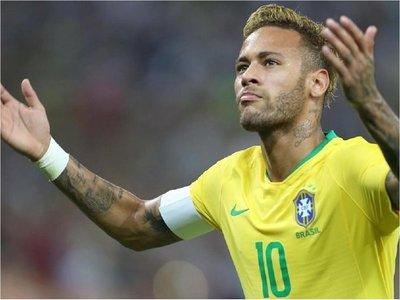 Neymar llega a comisaría para declarar por delito cibernético