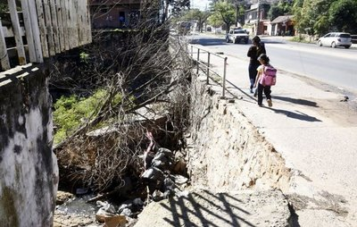 Puente Artigas representa peligro para la ciudadanía