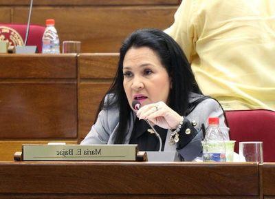 Senadora Bajac intentó salvar a Amarilla