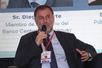 Informe del BCP dará tranquilidad a los bancos brasileños, según ministro