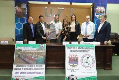 UFI firma convenio con escuelas de fútbol