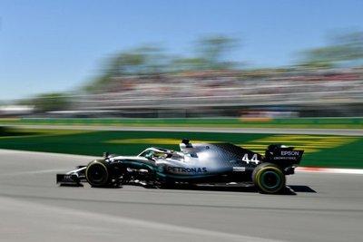 Hamilton lidera los primeros ensayos libres
