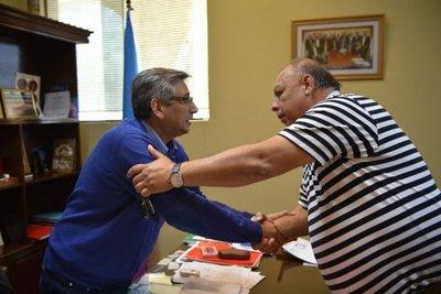Gobernador de Guairá promete saldar deuda