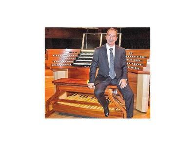Organista argentino ofrece conciertos en templos de Asunción