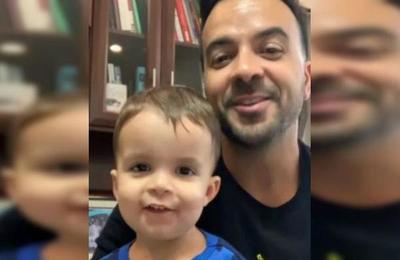 El extravagante peinado que Luis Fonsi le hizo a su hijo de dos años