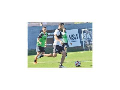 Con largo recorrido desembarcan en el fútbol paraguayo