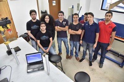 Paraguayos buscan cubrir costos en competencia aeroespacial