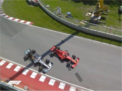 Hamilton refuerza liderato gracias a la sanción de Vettel