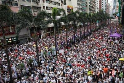 Gigantesca manifestación en Hong Kong contra las extradiciones a China