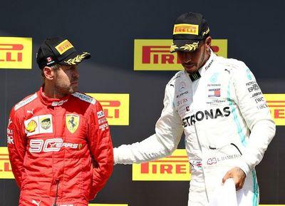 Lewis gana en discutido final