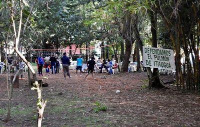 Turba de liberales liderado por intendente de Itauguá invadieron una propiedad de un ex combatiente