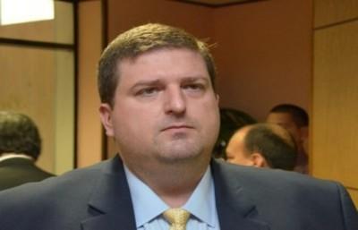 Piden retiro de pedido de expulsión de Patrick Kemper
