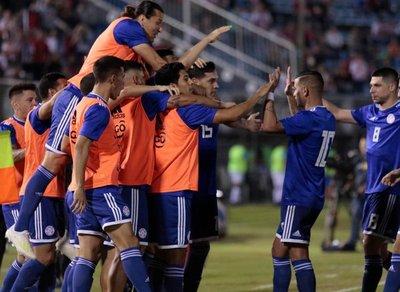 La Albirroja rompe su mala racha al vencer a Guatemala