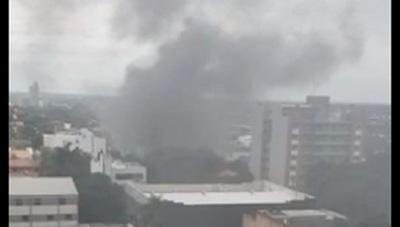 Incendio de gran magnitud se registra en comercio de Asunción
