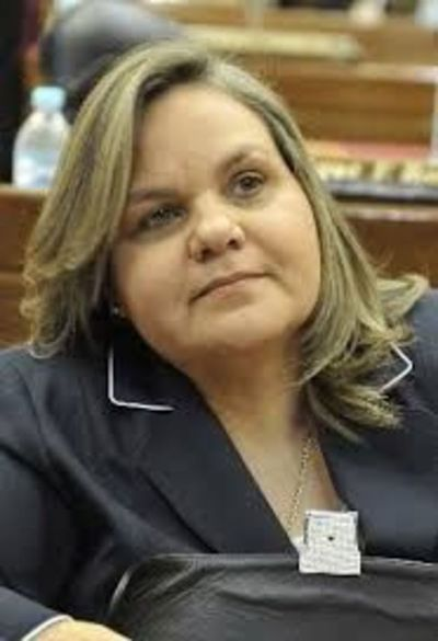 Senadora Lilian Samaniego admite que salarios de senadores paraguayos son los más bajos de la región