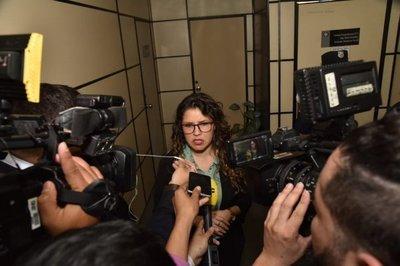 """Abogada ratifica críticas: """"me dio risa el comunicado de la Fiscalía"""""""