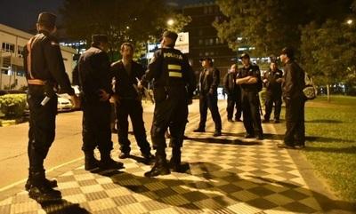 Guardias privados abandonan IPS y Policía toma la posta