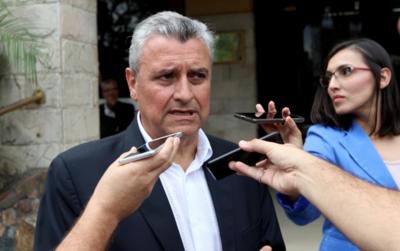 Policías sí pueden encargarse de la seguridad de instituciones del Estado, afirma ministro del Interior