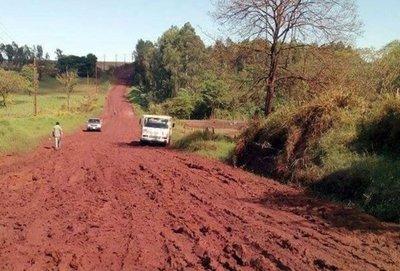 MOPC promete a intendentes mejoras en calles rurales
