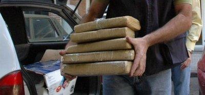 Incautan 703 Kg de marihuana y detienen a dos brasileños