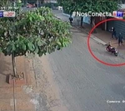 Vecinos invierten en seguridad ante ola de asaltos en Lambaré
