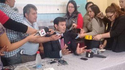 """Silvio Ovelar """"dispara"""" contra Víctor Ríos"""