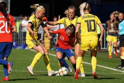 Chile pierde en su debut