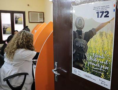 """Fono ayuda """"172"""" es habilitada por la SENAD para casos de adicciones"""