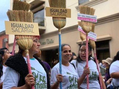 Trabajadoras domésticas con esperanzas de lograr el salario mínimo