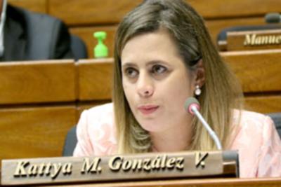 Kattya González pide descuento para diputados irresponsables ´ganamos G. 1 millón al día´