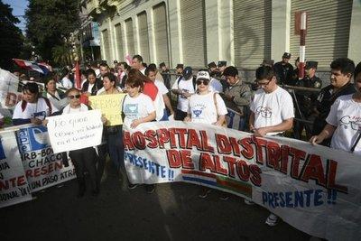 Enfermeros exigen escalafón salarial
