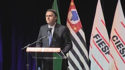 Bolsonaro evita pronunciarse sobre polémica con Moro
