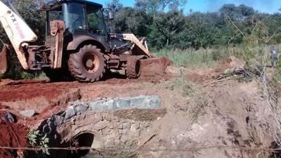 Reparan camino que quedó intransitable tras las lluvias