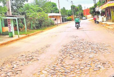 Pavimento sobre calle Amambay no concluye
