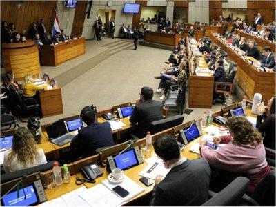 Nueva mesa directiva de Diputados excluye a las mujeres