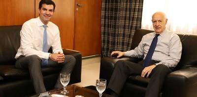 Exministro y gobernador provincial se alían para candidatura en Argentina