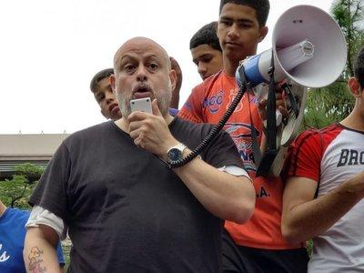 """Payo pide que senadores dejen de ser llamados """"honorables"""""""