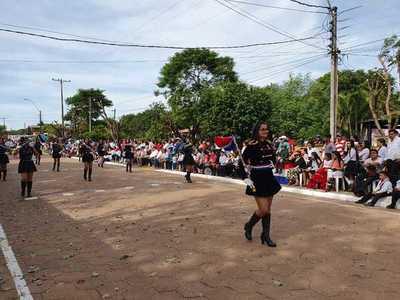 Colorido desfile en homenaje a excombatientes en Loreto