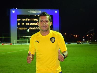 William Santander gana pulseada y se suma al Sportivo Luqueño