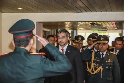Mandatario preside acto por aniversario del Regimiento Escolta Presidencial