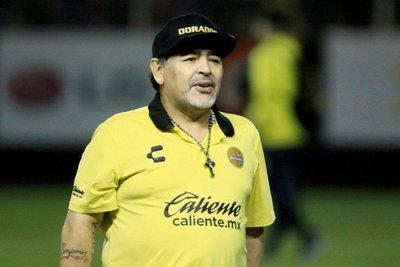 Maradona deja a los Dorados por motivos de salud
