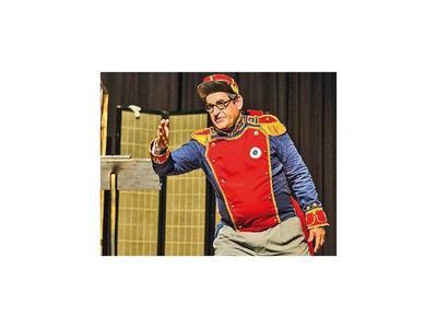 Pese a incidentes,  actor seguirá con la obra teatral Las locuras del Mariscal