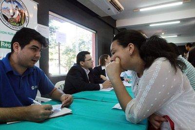 Lanzan convocatoria de empleo para personas que no terminaron el colegio