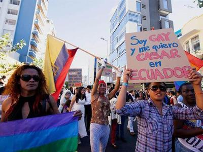 Corte de Ecuador aprobó matrimonio igualitario